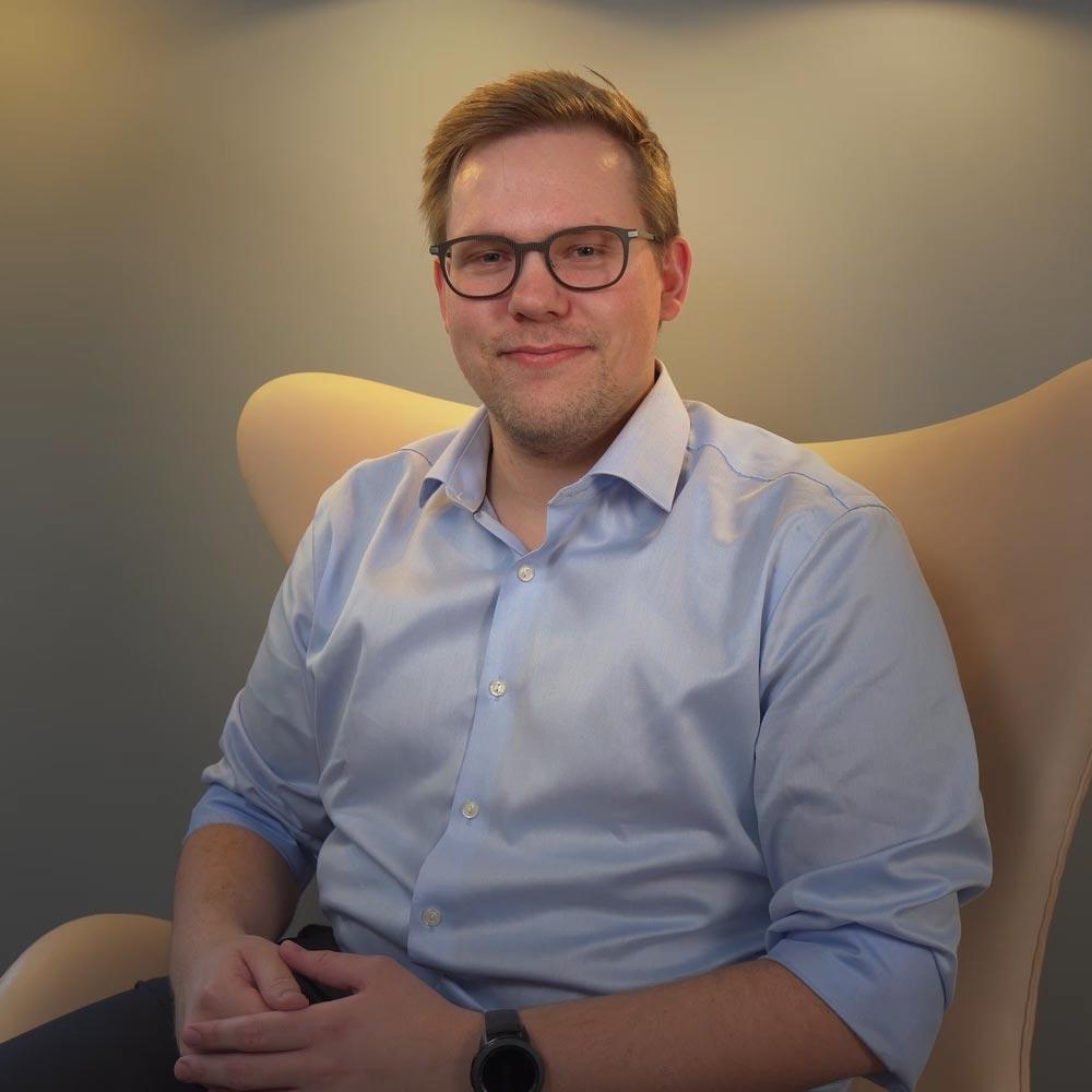 Chris F. Madsen - Handelsbanken